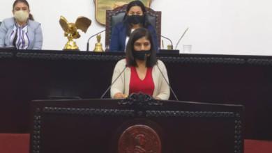 Presentan iniciativa legisladores para evitar violencia contra mujeres