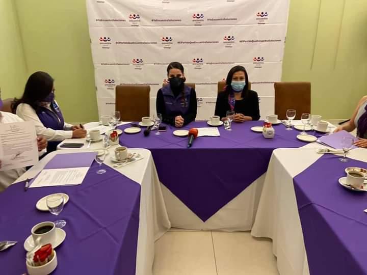 Mujeres Transformando México con sede en Hidalgo, llevó a cabo una firma de acuerdo con el Partido Encuentro Social de la entidad