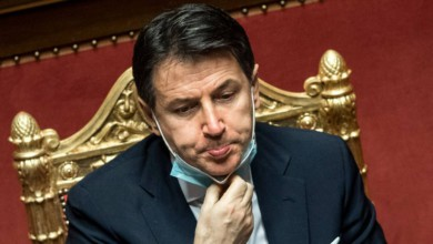 Renuncia primer ministro de Italia